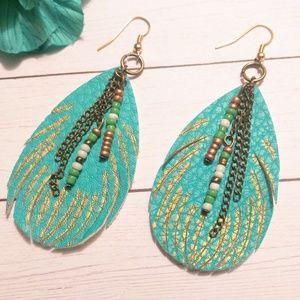 Jewelry - 🛍️2/$15🛍️ Fancy Feather Earrings
